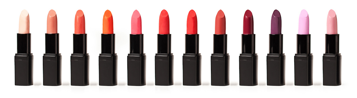 Scegli tra le 12 nuance dei nuovi Velvet Matt Lipsticks - naturali e vegan Defa Cosmetics